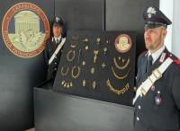 Carabinieri recuperano preziosi gioielli trafugati dal Museo Nazionale Etrusco, a Roma