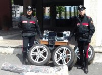 Furti d'auto, ladri specializzati in fuga