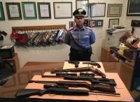 Penalmente censito, tenta di sparare ai carabinieri