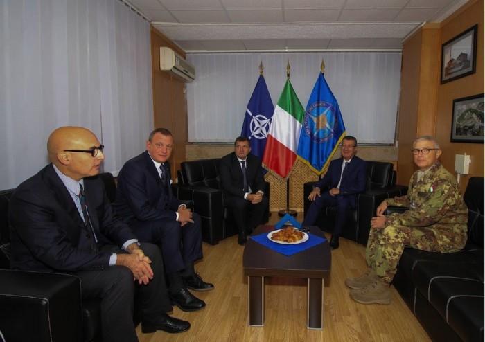 Notizie dal mondo visita a kfor della delegazione del senato for Sede senato italiano