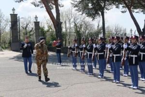 Il generale Fungo visita la Scuola sottufficiali dell'Esercito