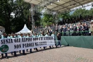 Alla grande sfilata delle penne nere, ospite d'onore il Presidente Sergio Mattarella