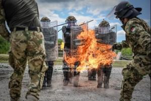 ''Firephobia'', come affrontare le sommosse in Kosovo